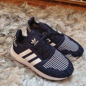 NWOT Adidas swift run sneakers